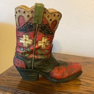 Western boot statue